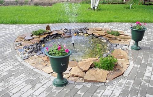 Як вибрати фонтан для дачі?