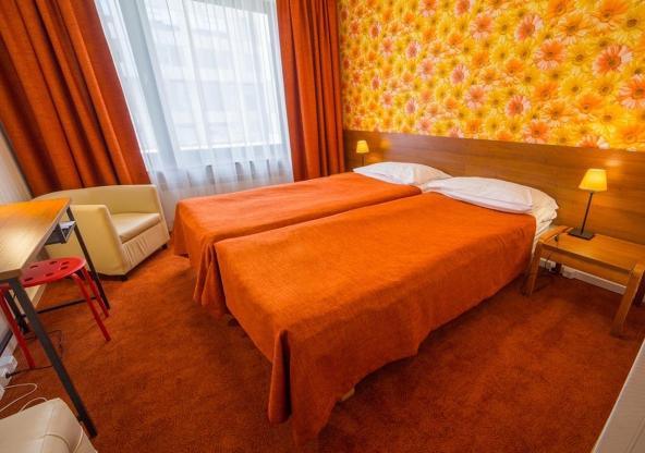 Гостиницы Москвы и Санкт-Петербурга
